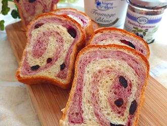 紅芋うずまきパン