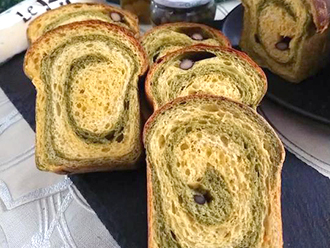 桑の葉うずまきパン