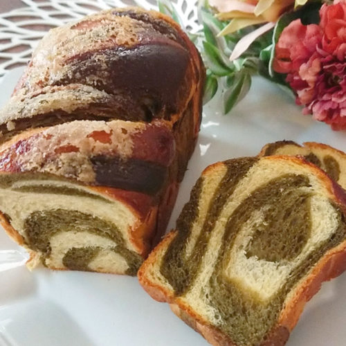 ヨモギのマーブルパン