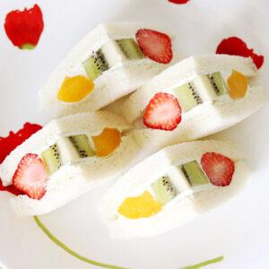 月桃パウダーで作るフルーツサンド