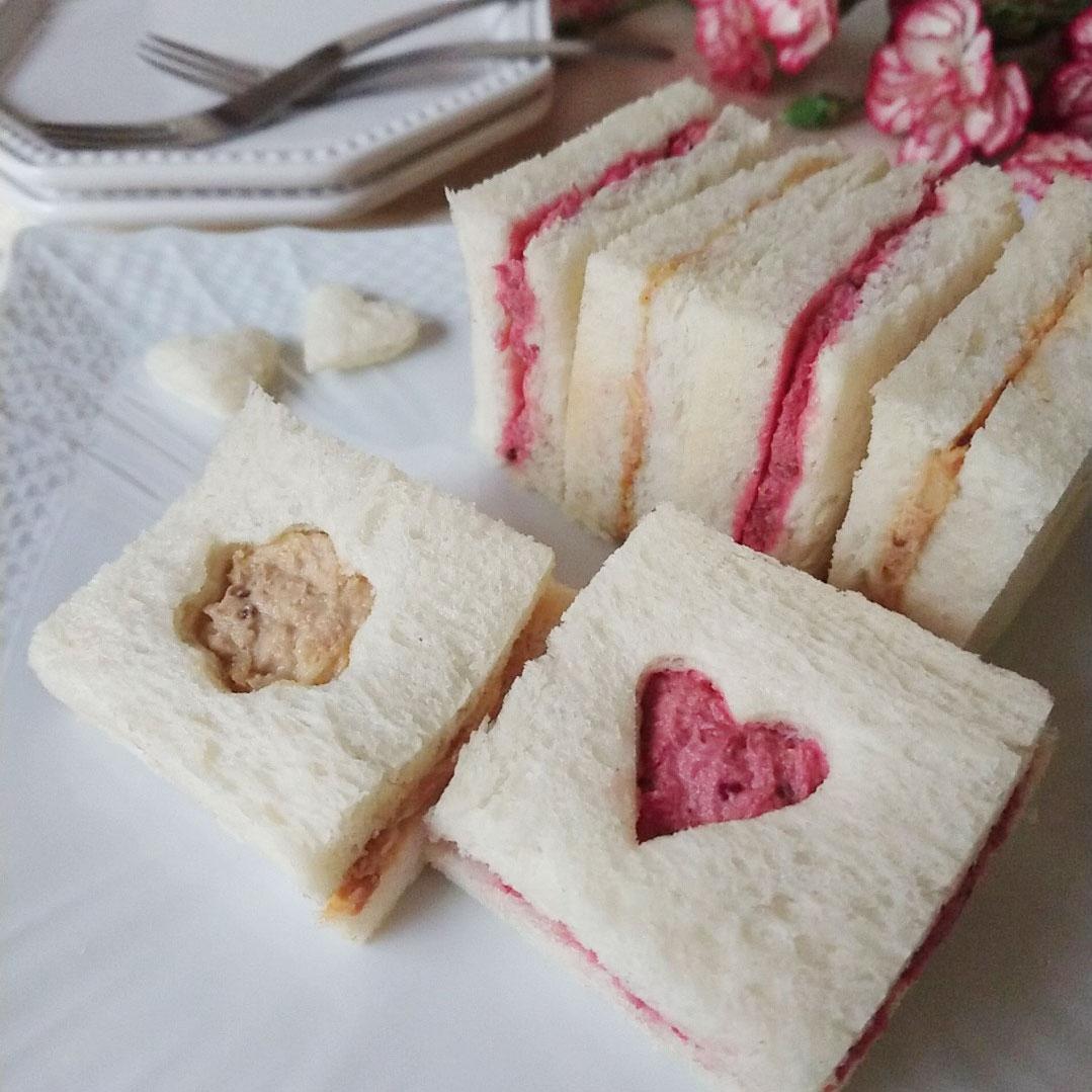にんじん&ビーツパウダー の彩りサンドイッチ
